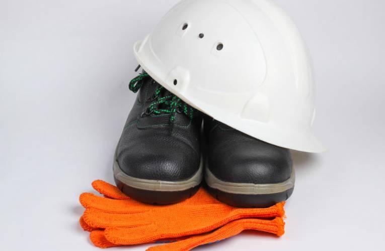 Buty robocze- czym powinny się charakteryzować?